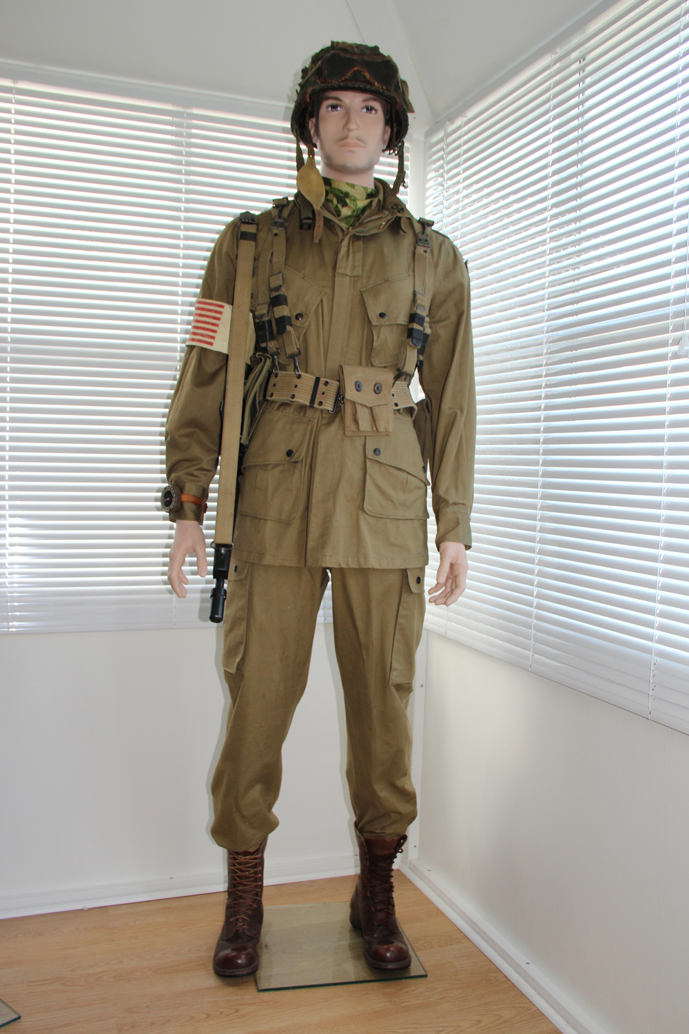 US Paratrooper M-42 Jump Uniform (551st PIB)
